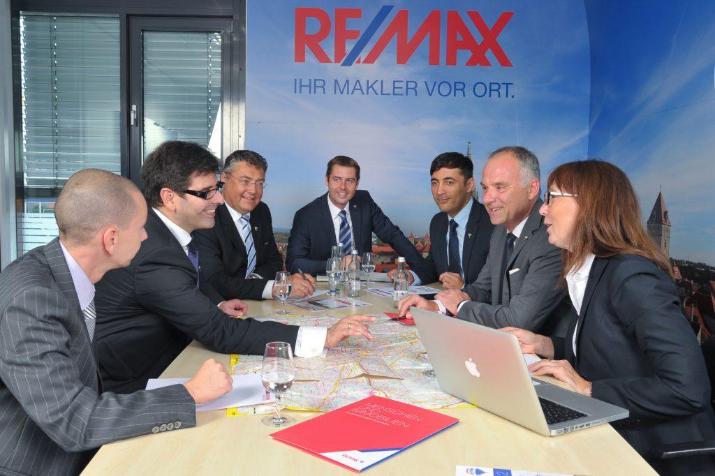 Remax Team Besprechung