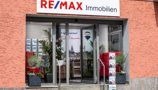 Remax Immoshop für Immobilien in Schwandorf